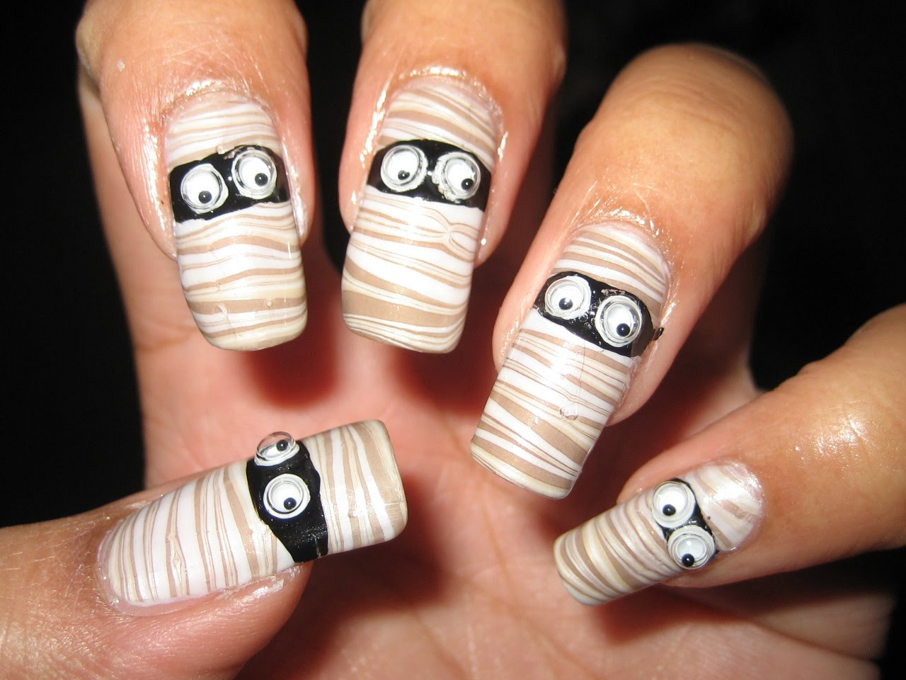Mummy-Nails-for-Halloween